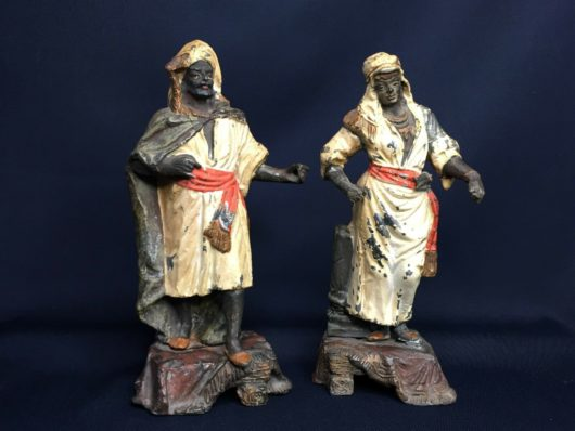 Antiek, Sculptuur, Paar spelter orientaalse figuren, begin 20e eeuw